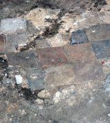 Teile der gotischen Fußbodenplatten
